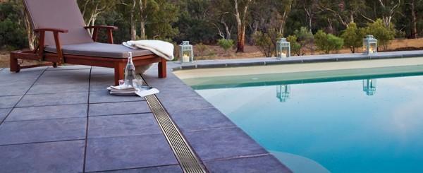 Dé winkel voor afwatering rondom uw zwembad.